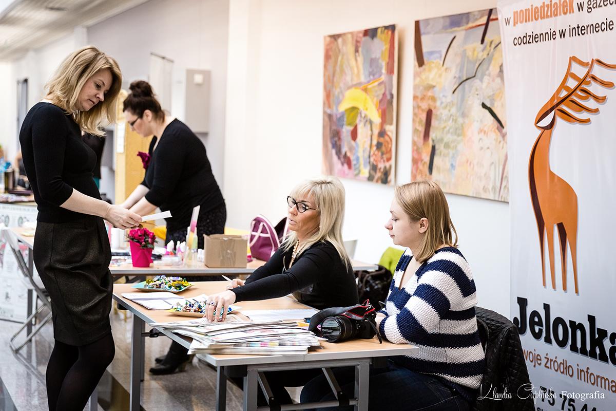 Fotografia reklamowa oraz biznesowa. Fotografia rodzinna, dziecięca oraz portretowa. Sesje kobiece oraz reportaże ślubne. Klaudia Cieplińska - Fotograf Jelenia Góra, Wrocław, Dolny Śląsk.
