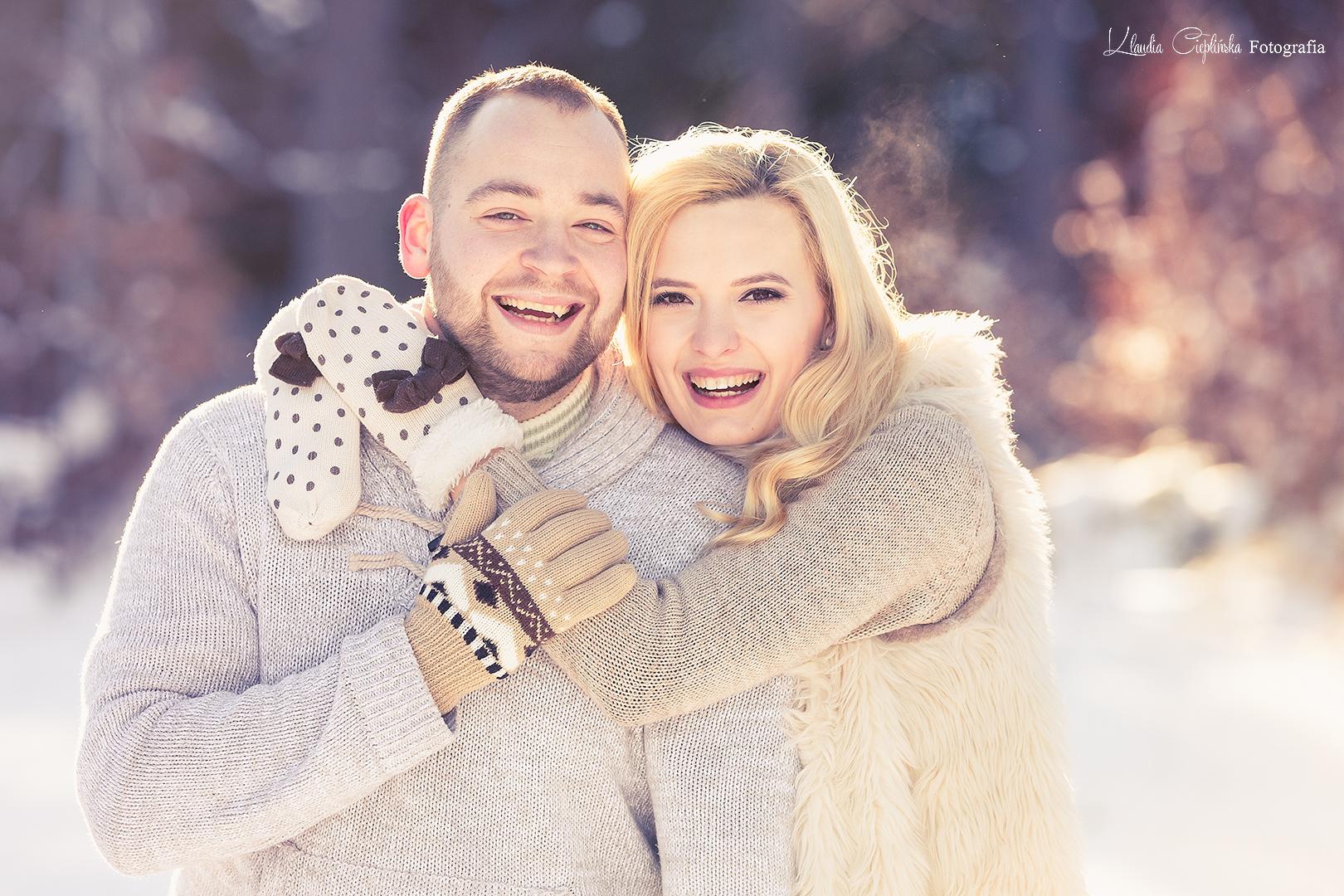 Zimowa sesja plenerowa w Karkonoszach. Profesjonalne sesje zdjęciowe, zdjęcia artystyczne, sesje narzeczeńskie, portretowe, rodzinne.