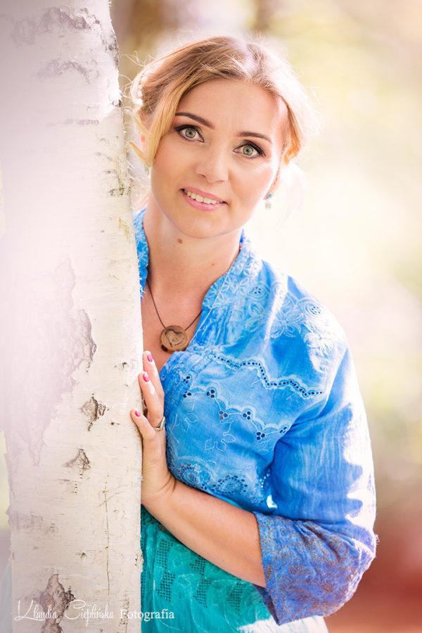 Klaudia Cieplińska - dobry fotograf Jelenia Góra. Zdjęcia portretowe, sesje plenerowe, fotografia kobieca i zdjęcia rodzinne. Zapraszam
