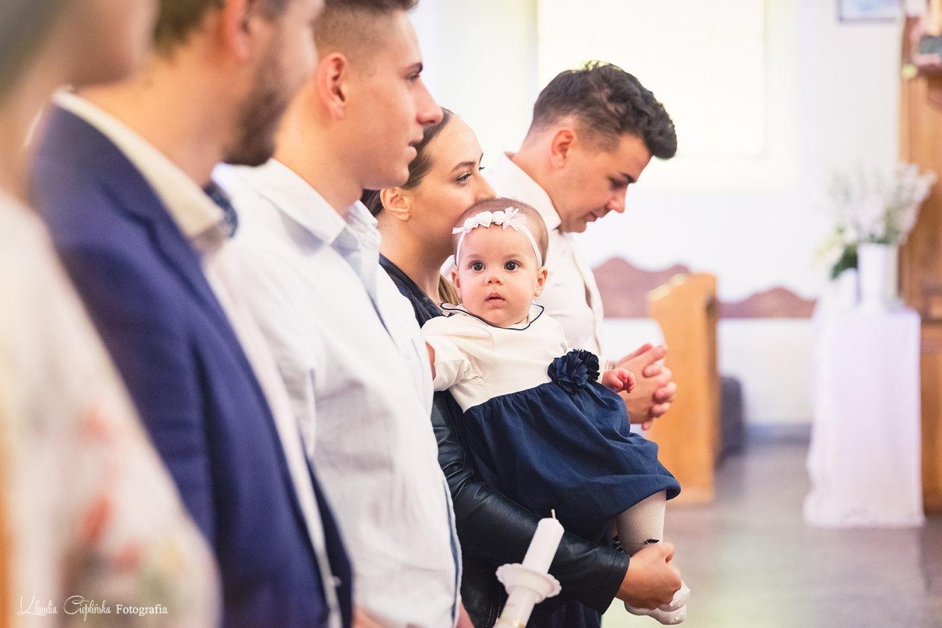 Klaudia Cieplińska fotografia okolicznościowa - rodzinne zdjęcia chrzciny Jelenia Góra, dolnośląskie