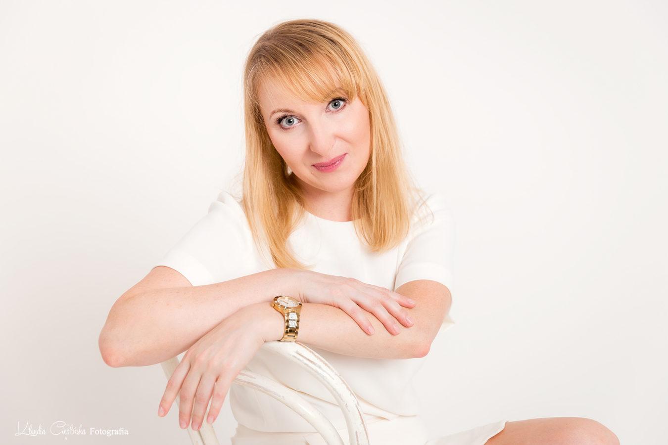 Naturalna, Artystyczna fotografia kobieca - Klaudia Cieplińska - zdjęcia portretowe, sesje kobiece, fotografia rodzinna. Zapraszam