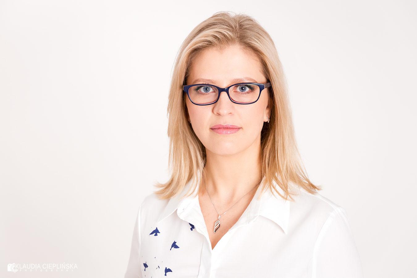 Profesjonalne sesje zdjęciowe Jelenia Góra, w studio i w plenerze. Fotografia portretowa, sesje kobiece. Klaudia Cieplińska